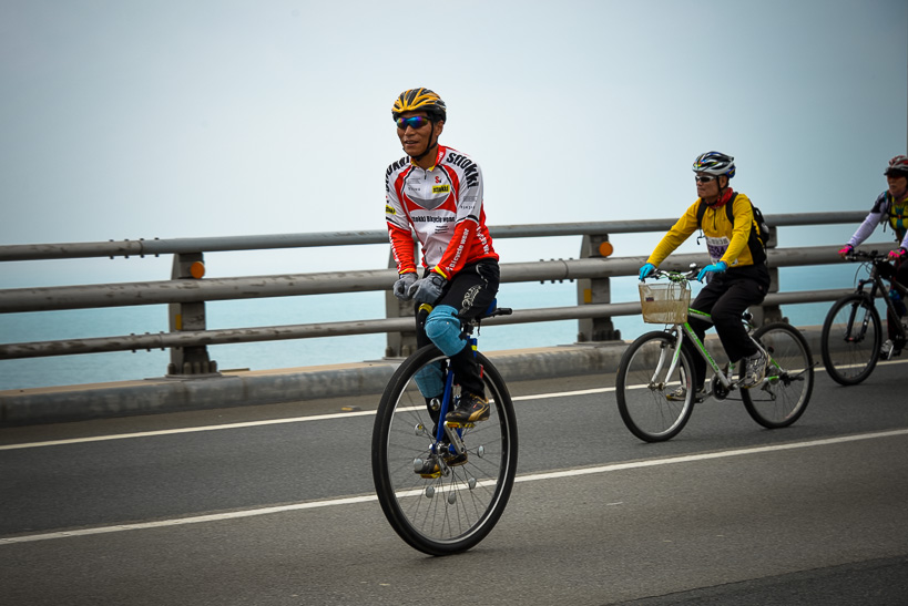 Gwangan Bridge Race unicycle Storming the Bridge: Busan Hosts Koreas Greatest Race