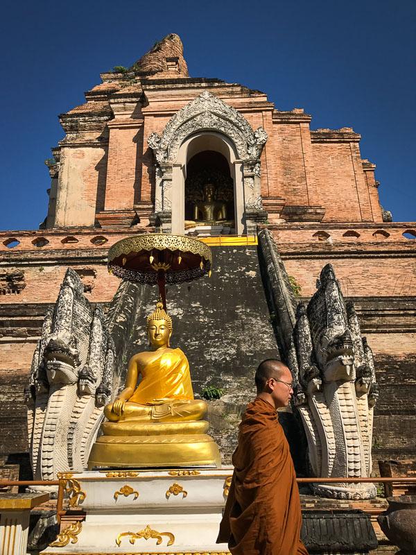 Thailand, Chiang Mai, photography, travel, monk, wat chedi long, photo, pete demarco